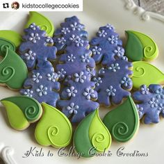 Aren't these amazing?!? @kidstocollegecookies created these beautiful spring lilacs using our new cutters from @countrykitchen #blysscutters #countrykitchen #lilacs #flowers #spring #sugarcookies #decoratedcookies #decoratedsugarcookies #cookieart #edibleart #cookiesofinstagram