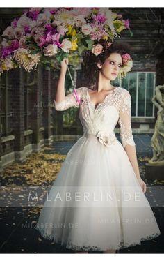 Charmantes V-Ausschnitt 3/4 Länge Ärmel Applikationemememen A-Linie Tüll Kurzes/Mini Brautkleid
