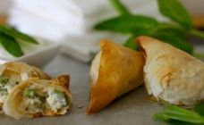 Cheesy filo triangles recipe - Party food