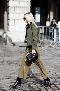 <look at the bottom part only its nicer. London_Fashion_Week_Fall_Winter_2015-Street_Style-LFW-Collage_Vintage-Culotte_Trousers-Military_Trend-1