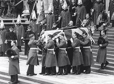Sir Winston Churchill's Coffin bearers from 2nd Battalion Grenadier Guards!
