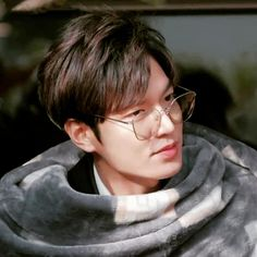 "For those who dont know ""He is leee min ho the best kdrama actor ever his dramas r just awwsome"" New Actors, Actors & Actresses, Asian Actors, Korean Actors, K Pop, Legend Of Blue Sea, Boys Before Flowers, Lee Min Ho Boys Over Flowers, Lee Min Ho Kdrama"