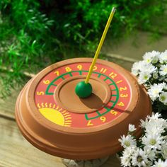 Make your own DIY sundial, and watch time slow down. Make your own DIY sundial, and watch time slow Crafts For Teens To Make, Projects For Kids, Crafts To Sell, Easy Crafts, Diy And Crafts, Sell Diy, Kids Diy, Decor Crafts, Kids Crafts