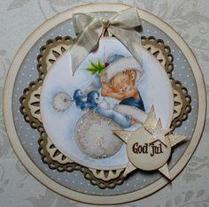 Ninas kreative roteloft I Card, Bulbs, Snow Globes, Fairies, Christmas Tree, Home Decor, Creative, Lightbulbs, Faeries