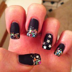 New Year's nail art.  Ciaracake.tumblr.com twitter: @ciaraa_black Instagram: ciaracake