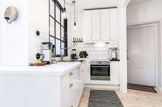 3-apartamento-sofá-cinza-tapete-etinico-pendente