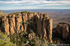 Famous for the Valley of Desolation, Camdeboo National Park surrounds the Karoo town of Graaff-Reinet. Here's the ultimate guide. Old Buildings, South Africa, Grand Canyon, Things To Do, Tourism, National Parks, Environment, Museums, Places