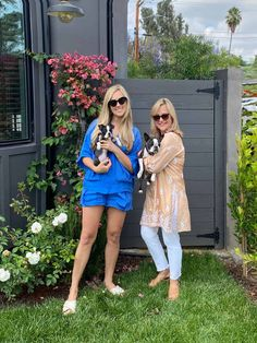 Our Mother-Daughter Fashion Edit - Classic Casual Home Mother Daughter Fashion, To My Daughter, Fashion Over, Fashion Show, Vintage Dresses, Vintage Outfits, Clothes For Women Over 50, Short Outfits, Girl Boss