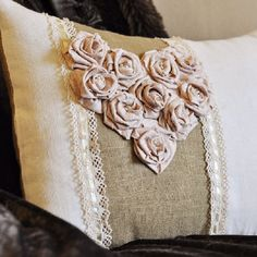Free Valentine's Day pillow tutorial. Great for beginners!