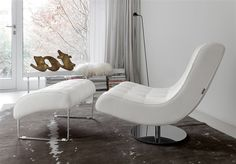 Virgola #design #interiordesign #virgola #poltrona #homedecor #comfort #armchair #chaise longue #pouf