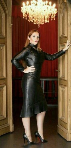 You will need to ask a bit nicer to enter my Private Chamber ! You will need to ask a bit nicer to enter my Private Chamber ! Sexy Outfits, Sexy Dresses, Leder Outfits, Leather Skin, Black Leather, Latex Dress, Leather Dresses, Leather Peplum, Hot High Heels