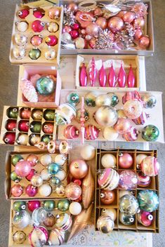 those pretty vintage glass ornaments - Happy Christmas - Noel 2020 ideas-Happy New Year-Christmas Shabby Chic Christmas, Merry Little Christmas, Noel Christmas, Vintage Christmas Ornaments, Vintage Holiday, Glass Ornaments, Christmas Mantles, Victorian Christmas, Vintage Santas
