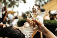 Fancy Drinks, Urban City, Street Food, White Wine, Chill, Alcoholic Drinks, Garden, Garten, Lawn And Garden