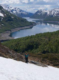 Op weg naar de Hardangervidda.   Wat een uitzicht! Noorwegen.