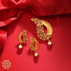 High-street Jewellery Store in Borivali - Instashop at manubhaijewels Gold Bangles Design, Gold Earrings Designs, Gold Jewellery Design, Necklace Designs, Gold Pendent, Pendant Set, Diamond Pendant, Gold Earrings For Women, Gold Mangalsutra Designs
