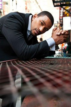 Laz Alonso...yes please