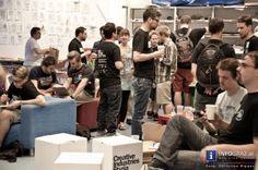"""BarCamp Graz 2013 in der FH Joanneum – 27.4.2013  BarCamps, entstanden in der Software- und Social MediaSzene, sind in Graz bereits Tradition. Diese offenen """"Un-Konferenzen"""" bieten einen ausgefallenen Mix aus praktischen, theoretischen und Design-orientierten Themen. Grundsatz: """"Ein Barcamp ist, was ihr als Teilnehmer / Teilnehmerin daraus macht! Die Organisation stellt """"nur"""" die Rahmenbedingungen wie Location, Verpflegung etc. zur Verfügung."""""""