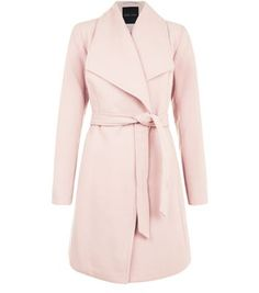 In a sweet pink hue, this luxe wrap coat is the ultimate versatile, wardrobe investment. Layer over both day to night looks effortlessly.- Simple long sleeves- Wide collar- Soft finish- Belted waist- Model is and wears UK 6 Coats For Women, Jackets For Women, Clothes For Women, Cold Weather Fashion, Wrap Coat, Belted Coat, Parka Coat, Outerwear Women, New Look