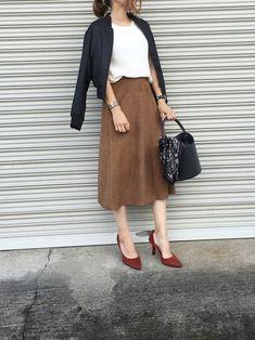 甘辛ミックスコーデ☻ UNIQLOのスウェードスカート履くだけで 秋っぽく。 それにMA1でレディに