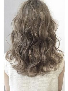 Olive beige ☆ bass digital permanent - New Site Perm On Medium Hair, Medium Short Hair, Short Wavy Hair, Curly Hair Cuts, Medium Hair Styles, Curly Hair Styles, Short Curly Haircuts, Permed Hairstyles, Hair Colour Design