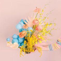 Colour-Blocking Wedding Ideas | One Fab Day Vase Arrangements, Floral Centerpieces, Flower Arrangement, Floral Wedding, Wedding Flowers, Abstract Shapes, Pretty Flowers, Color Blocking, Colour Block