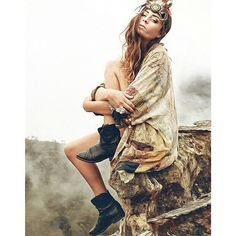 Frye Boots on the beautiful Thilda Berglind from these girls are amazingly talanted photographers and models! Gypsy Style, Boho Gypsy, Hippie Boho, Boho Style, The Frye Company, Let Your Hair Down, Hippie Life, Frye Boots, Rocker Chic