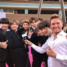 How can I meet them? ���� #bts#bangtanboys#btsbbmas#bbmas#army#billboards2017 #justinbieber http://famousfollow.net/ipost/1520205778701883095/?code=BUY2xnxBZbX