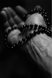 "41) Rogerio Bussad Beads & Veins 16""X20"" Photography"