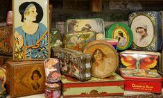 QUEEN OF TIN BOXES: Die Wallonie, die mehrheitlich französischsprachige Kulturregion Belgiens, bietet viel Entdeckenswertes: Historisches, Kulinarisches, Skurriles – BOLD hat ein außergewöhnliches Museum entdeckt, die einzigartige Blechdosen - Sammlung von Yvette Dardenne – mit offiziellem Eintrag im Buch der Guinness World Records. Link: http://www.bold-magazine.eu/queen-of-tin-boxes/  #Belgien #BelgienTourismusWallonie #Blechdosen #GrandHallet #GuinnessBuchDerRekorde