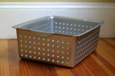 Turn inexpensive plastic baskets into faux metal locker bins using Krylon Fusion Hammered Finish spray paint (baskets and spray paint from Wal-Mart)