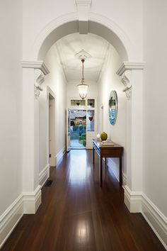 East Malvern Residence by LSA Architects 10 Classic Brick Federation House in Suburban Melbourne Updated for Modern Family Living Foyer Decorating, Interior Decorating, Interior Design, Luxury Interior, Home Renovation, Home Remodeling, Edwardian Haus, Edwardian Hallway, Modern Victorian