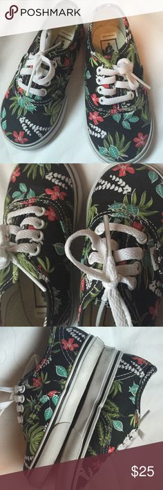Like NEW toddler Hawaiian print old school vans Perfect condition!! Worn a couple of times Vans Shoes Sneakers