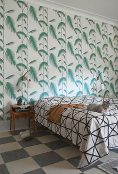 Midcentury Modern Decor & Style Ideas: Tips for Interior Design. Midcentury design is one trend that shows no sign of going away. Learn about midcentury modern decor and discover the best ways to incorporate the style Gorgeous Bedrooms, Wallpaper Bedroom, Decor, Home, House Design, Interior, Palm Leaf Wallpaper, Interior Spaces, House Interior