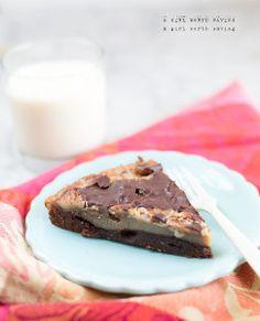 Pecan Pie Fudge Bars | A fun twist on the classic pecan pie recipe!