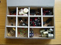 Diy Cardboard Furniture, Cardboard Storage, Diy Storage Boxes, Desk Organization Diy, Cardboard Crafts, Plastic Components, Recycling Center, Vintage Box, Projects To Try
