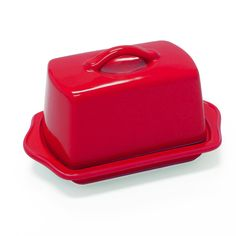 Complete your kitchen needs with the Chantal european ceramic butter dish in red. -Elegant design looks great on the table-Holds full tbsp.) standard stick of butter-Dishwasher and microwave safeSe Diy Kitchen, Kitchen Dining, Kitchen Things, Dining Room, Ceramic Butter Dish, Large Table, Best Dining, Stick Of Butter, Wine