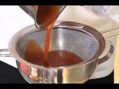 iSi Gourmet Whip PLUS - Recipe Bellini Espuma, Bloody Mary, Sauce Hollan...