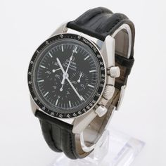 The Omega Speedmaster Moonwatch needs little introduction and our example is presented in excellent condition. With a stainless steel case and a manual winding movement, our example dates from 1982 with a 4558*** serial on the cal 861 movement. The Omega is fitted with an Omega leather strap.