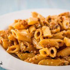 Pasta al pesto di pomodori secchi, mandorle e buu pecorino | Mangia Bevi Godi - Blog di cucina e ricette