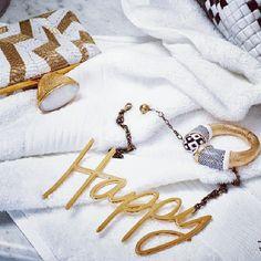 Happy Sunday!  #selfService#magazine#giseleBundchen#lanvin#fall2013#fashion#accessories#jewelry#thecitizensoffashion.com