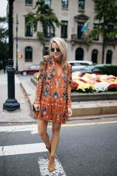 Fall embroidered dress my style fashion, fashion dresses и b Dress Out, Dress Skirt, Outfit Vestidos, Mode Outfits, Fall Outfits, Mode Inspiration, Mode Style, Simple Outfits, Bohemian Style Clothing