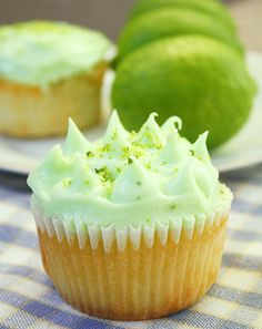 Mojito Cupcakes with Lime Cream Cheese Frosting