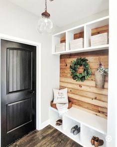 Hallway Ideas Entrance Narrow, Modern Hallway, Flur Design, Better Homes, Entryway Decor, Foyer, My Dream Home, Home Projects, Home Remodeling