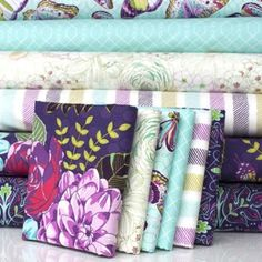 http://www.plushaddict.co.uk/fat-quarter-bundle-cottons-emmas-garden-6-fabrics.html FQ Bundle Cottons: Emma's Garden, 6 Fabrics