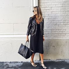 This is what I look like when casual in my head. like that the jacket makes the outfit 'fun' & interesting Fashion Blogger Style, Look Fashion, Winter Fashion, Net Fashion, Fashion Women, Fashion Photo, Fashion Black, Fashion Spring, Milan Fashion