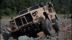 No more Humvees, US Military Latest Combat Vehicle JLTV Off Road.