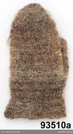 Nalbound mitten from Dalarna, Sweden. Used in forest work. Made of horse tail/mane hair. Year of production 1850-1899.