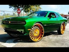 """AceWhips.NET- JJ's Candy Green Cadillac Escalade on Gold 34"""" Amani - YouTube"""