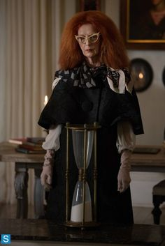 American Horror Story - Episode - The Seven Wonders. Frances Conroy as Myrtle Snow. American Horror Story Coven, American Horror Story Costumes, American Horror Story Characters, American Horror Story Seasons, Fictional Characters, Pop Culture Halloween Costume, Halloween Costumes, Halloween Fun, Ahs