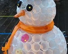 Yes, you can make a snowman with soft stuff like cotton or even white plastic cups! Unlike an actual snowman, a plastic cup snowman will never melt, K Cup Crafts, Christmas Projects, Holiday Crafts, Holiday Fun, Crafts For Kids, Diy Crafts, Christmas Ideas, Decoration Crafts, Snowman Decorations